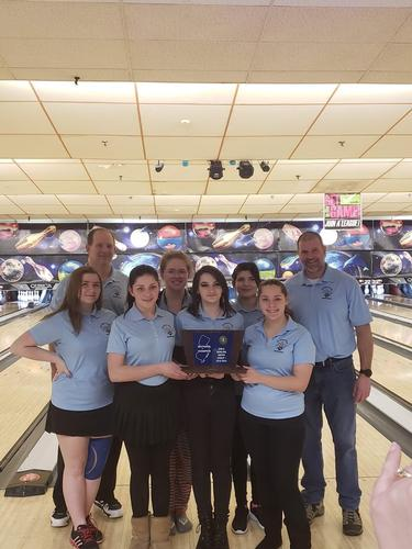 The girls bowling team won the North Group 1 Sectional Title with one of their best performances of the season.  Congratulations to out players and coaches!