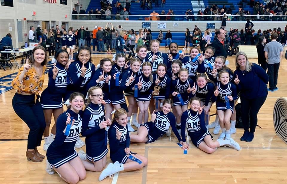 Girls Middle School Competitive Cheer